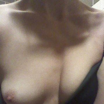 femme pose son annonce sexe sur marseille